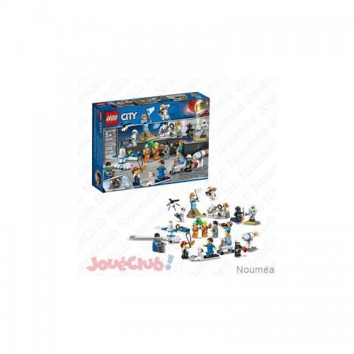 ENSEMBLE FIGURINE LEGO 60230
